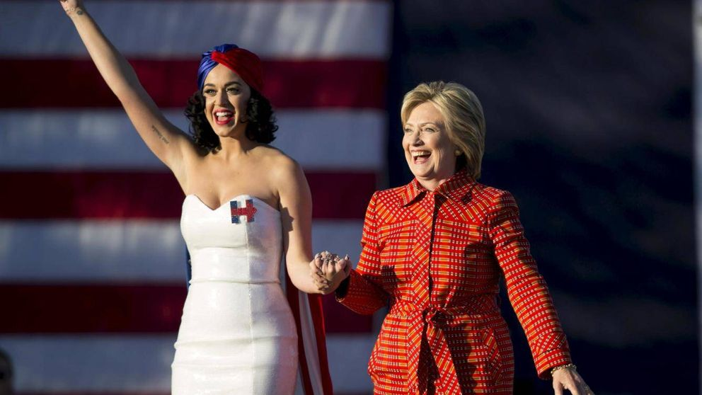 Katy Perry se desnuda para apoyar a Hillary Clinton y destronar a Trump