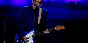 Post de Elvis Costello cancela su gira debido a una operación por un