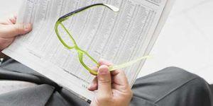 Foto: A casi el 70% de los españoles mayores de 45 años le cuesta leer la letra pequeña
