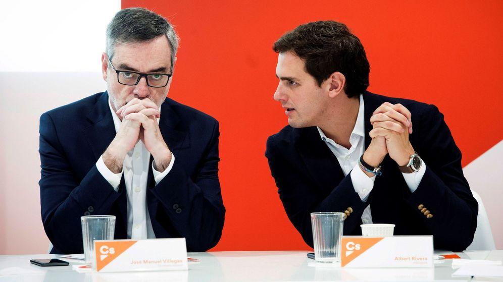 Foto: El presidente de Ciudadanos, Albert Rivera (d), junto al secretario general, José Manuel Villegas (i). (EFE)