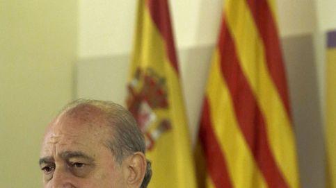 Cuatro horas de grabaciones en su despacho amenazan a Fernández Díaz