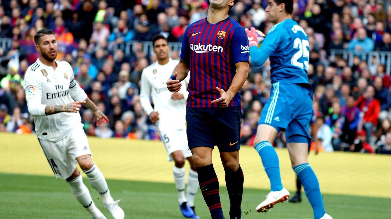 Luis Suárez se lamenta tras una ocasión. (EFE)