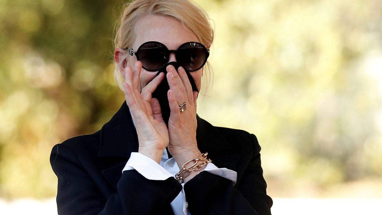 Cate Blanchett, enmascarándose. (Reuters)