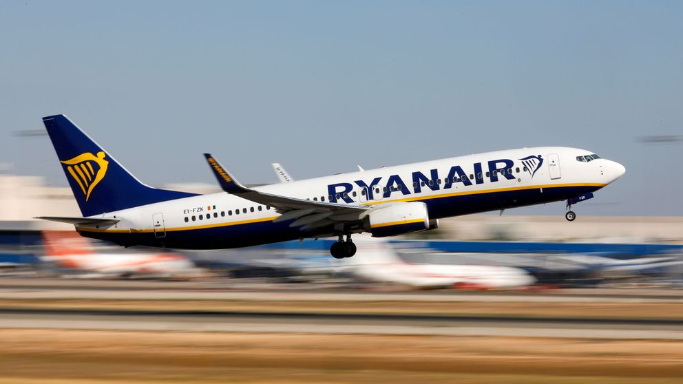 Una mujer muere dentro de un avión de Ryanair en el aeropuerto de Mallorca