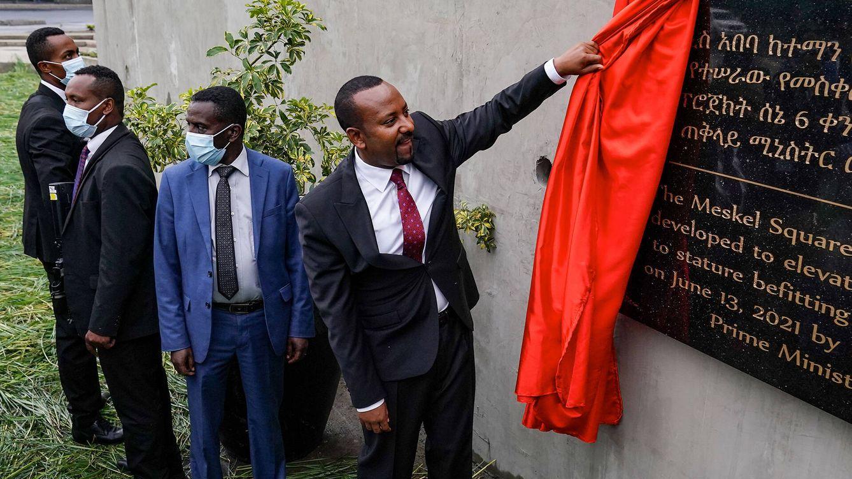 Foto: El primer ministro de Etiopía, Abiy Ahmed Ali, durante la inauguración de una placa conmemorativa en Adís Abeba. (Getty)
