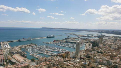 Inmovilizado en Alicante un buque danés con un brote de covid y un ingresado