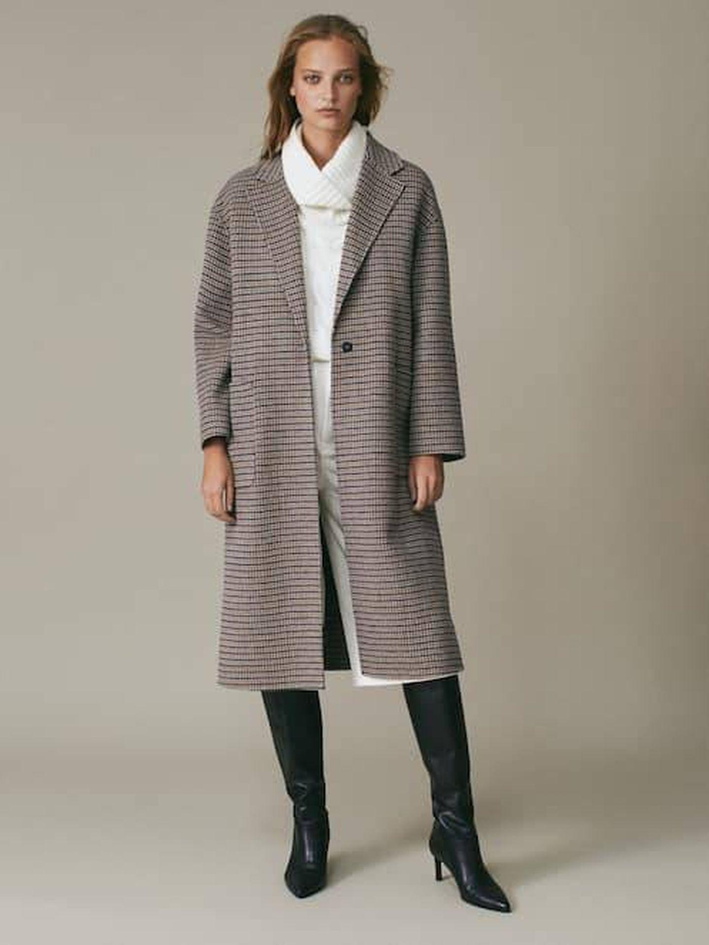 El abrigo de Massimo Dutti que tiene Kate Middleton. (Cortesía)