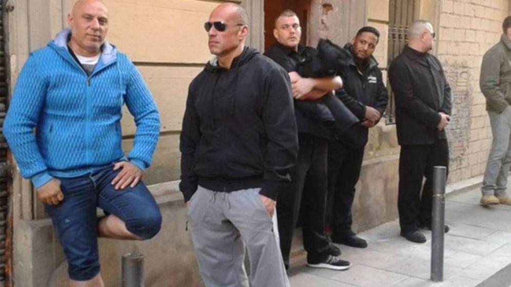Foto: Miembros de Desokupa durante un operativo en Barcelona.