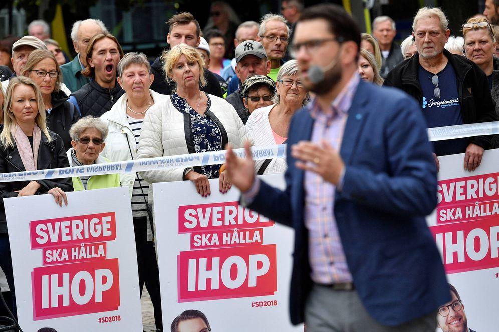 Foto: Jimmi Åkesson, líder de Demócratas de Suecia, durante un discurso en Landskrona, el 31 de agosto de 2018. (Reuters)