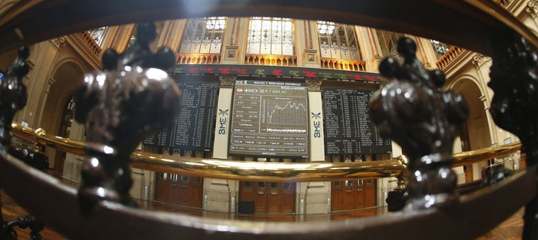 Foto: El Ibex supera los 8.800 y encadena su mejor racha desde marzo de 2009