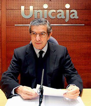 Foto: Medel exige que la absorción de Caja España no 'contamine' a Unicaja