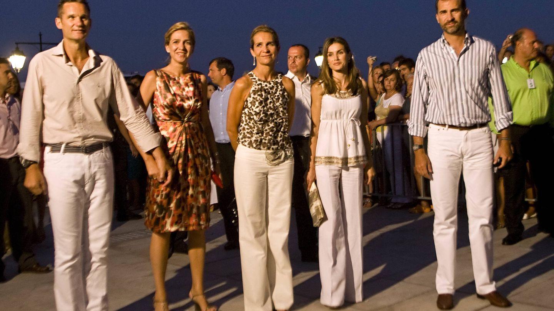 Iñaki Urdangarin, la infanta Cristina, la infanta Elena, doña Letizia y Felipe VI. (Getty)