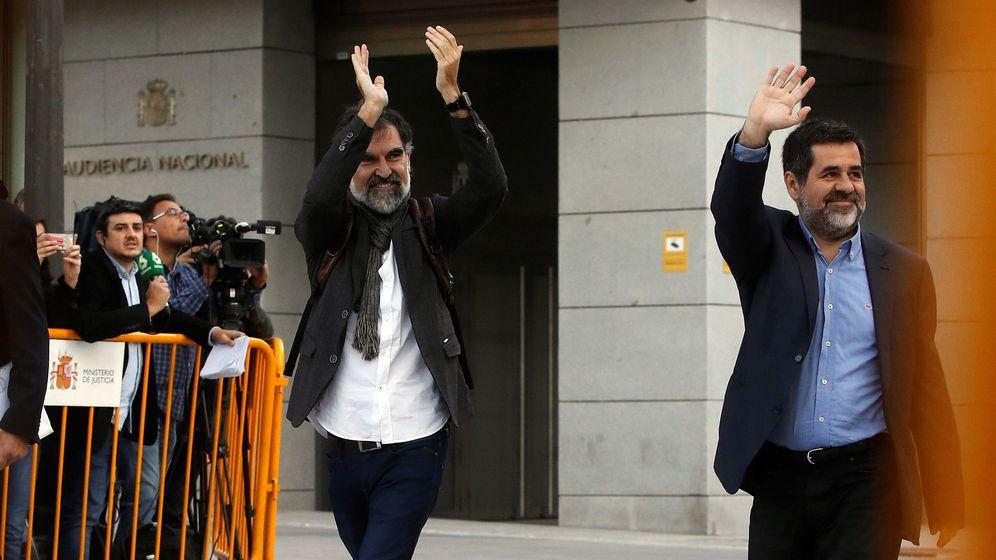 Foto: Jordi Sànchez y Jordi Cuixart, a su llegada a la Audiencia Nacional. (EFE)