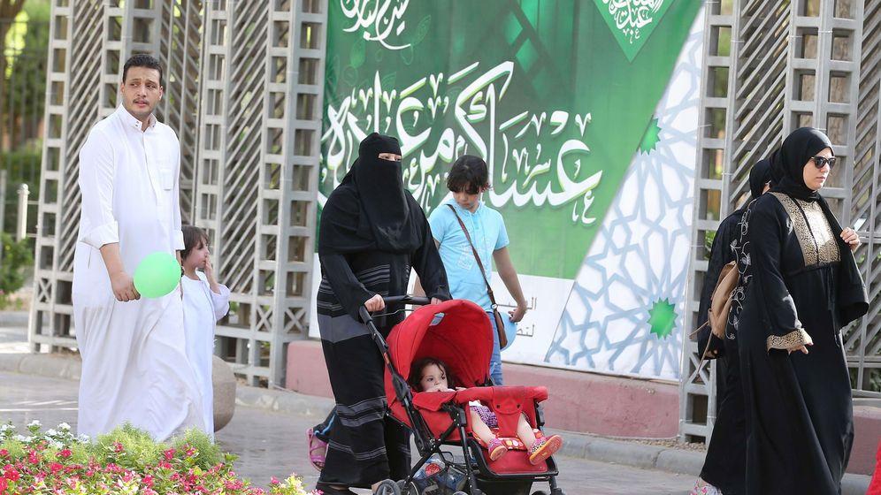 Foto: Celebración del Eid al-fitr en Arabia Saudí. (EFE)