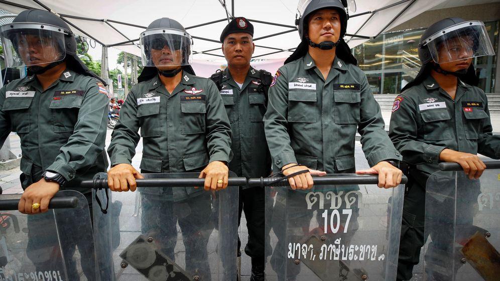 Foto: Policia en la cumbre de la ASEAN en Bangkok (EFE)