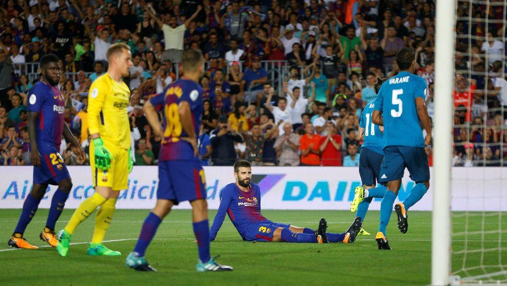 Foto: Un gol en propia meta de Piqué abrió el marcador. (Reuters)