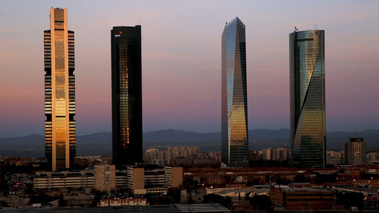 Foto: Panorámica del área de las Cuatro Torres del paseo de la Castellana. (EFE)
