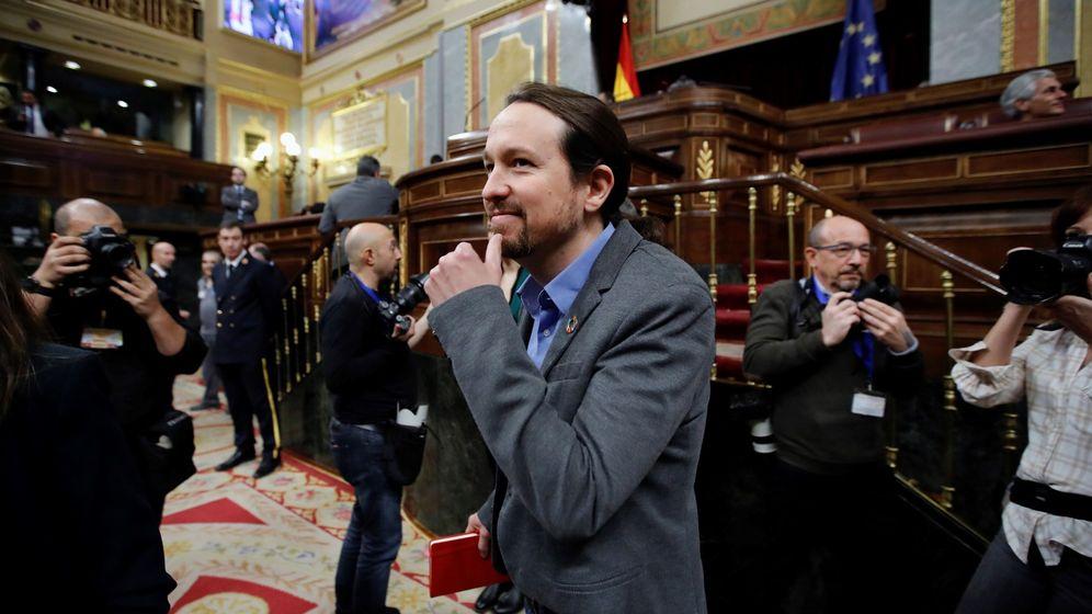 Foto: El secretario general de Podemos, Pablo Iglesias, en la sesión de investidura. (EFE)