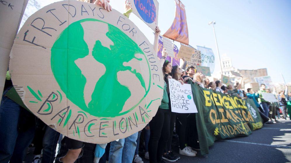 Foto: Estudiantes se manifiestan pidiendo medidas contra el cambio climático. (EFE)