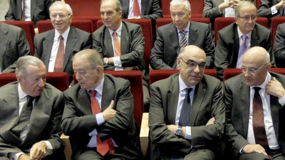 Foto: En primera fila los empresarios Rodes, Gavarró, Alemany y Oliu. (EFE)