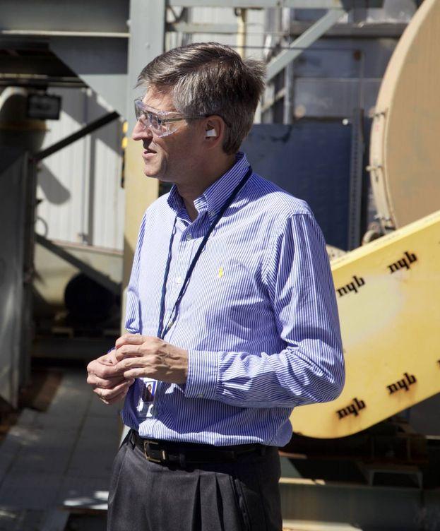 Foto: José Emeterio Gutierrez, en una visita a una central nuclear. (Westinghouse nuclear)