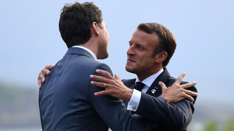 Macron recibe al primer ministro de Canadá, Justin Trudeau. (Reuters)