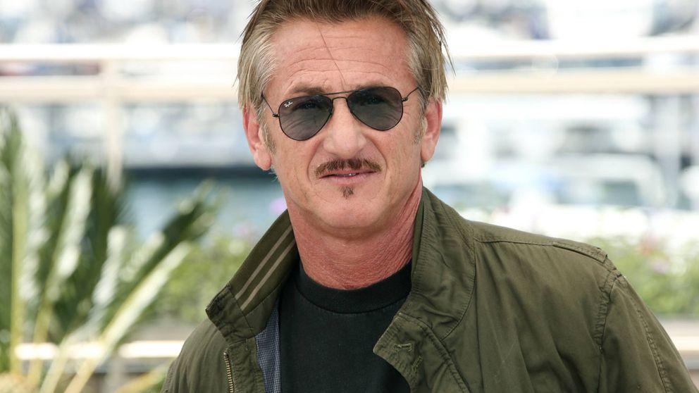 Sean Penn, 'pillado' besando a una chica de 24 años en las playas de Hawái