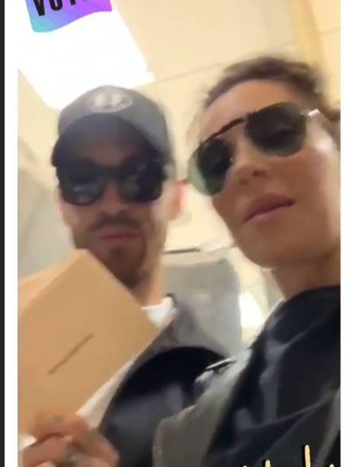 Pilar Rubio y Sergio Ramos votando. (IG)