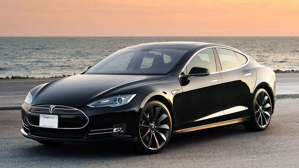 'Hackean' el coche de Tesla para arrancarlo y pararlo a distancia