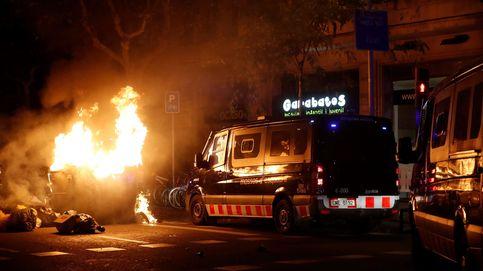 Un furgón de los Mossos atropella en Tarragona a dos personas entre protestas