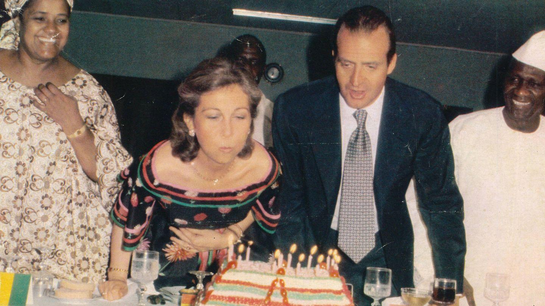 Don Juan Carlos y doña Sofía. (Foto: Ed. Grijalbo)