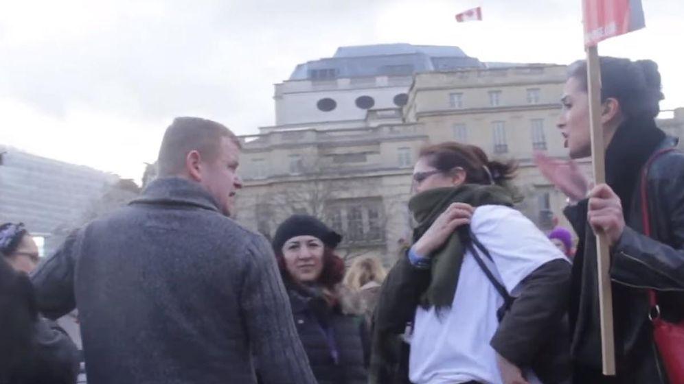 Foto: Llegó gritando poder para la mujer, pero buscaba lo contrario. (Trollstation)
