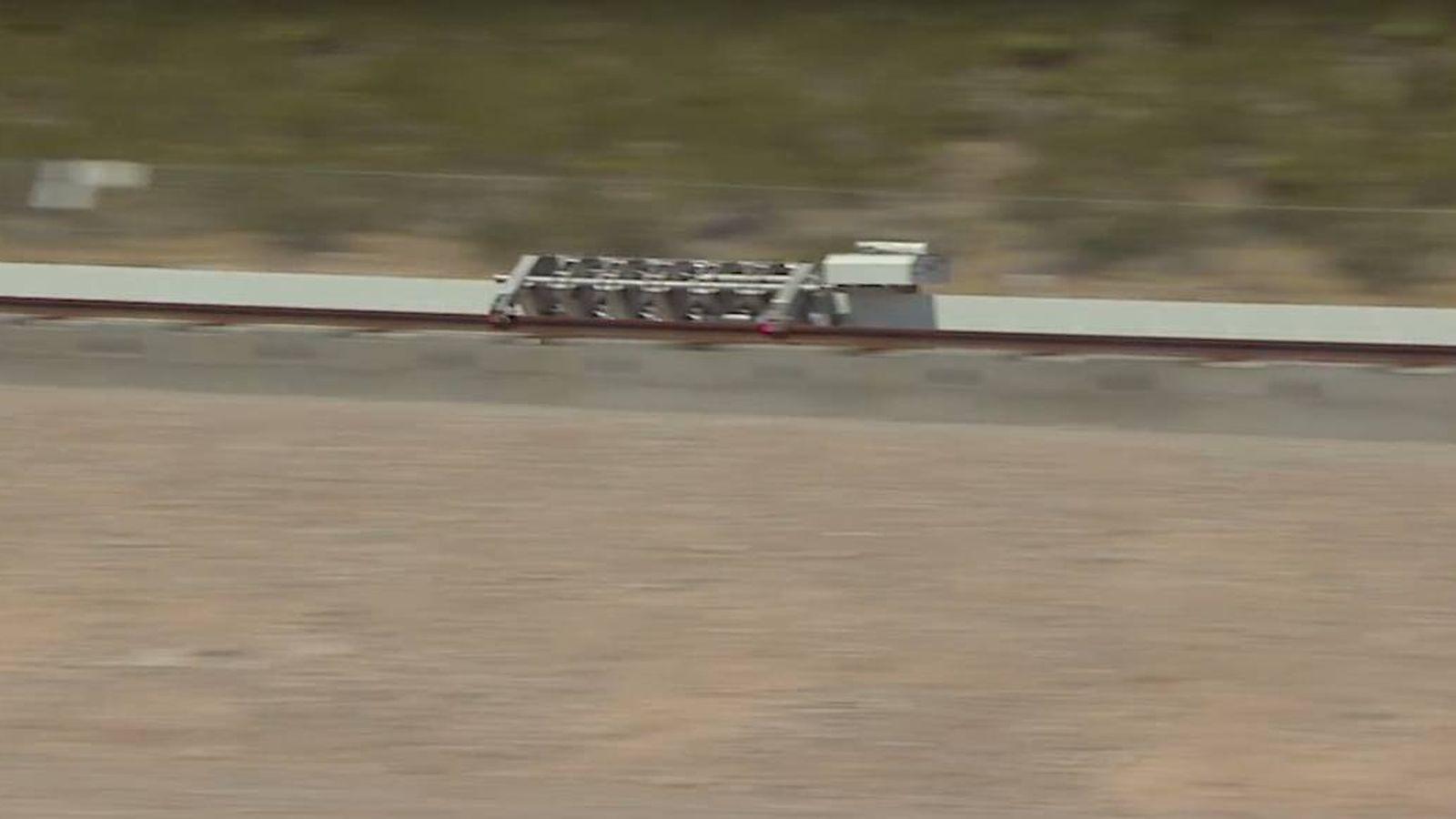 Foto: El Hyperloop, en su primera prueba en el desierto de Nevada.