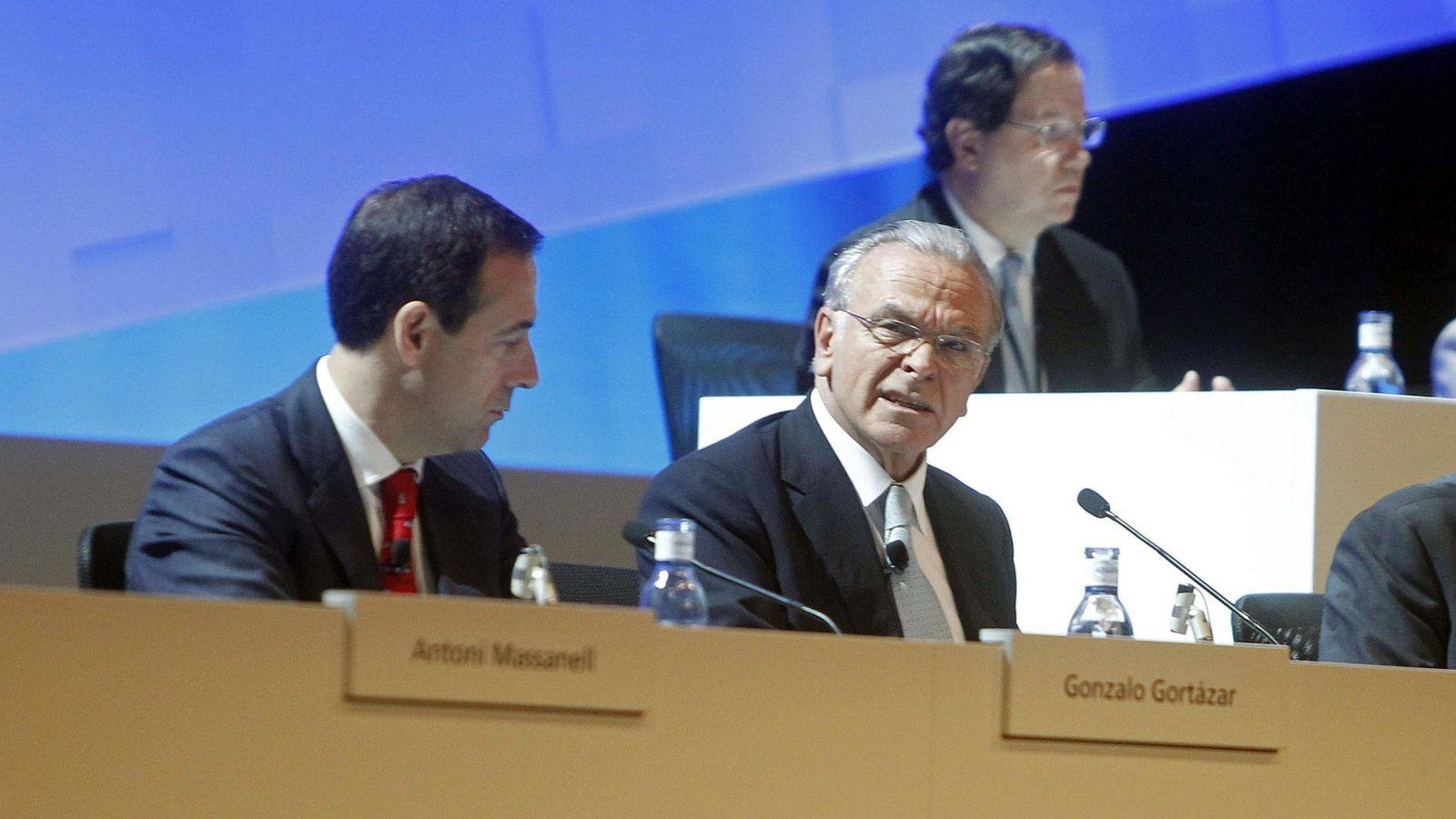 Foto: El presidente de CaixaBank, Isidre Fainé (d), y el consejero delegado de CaixaBank, Gonzalo Gortázar. (EFE)