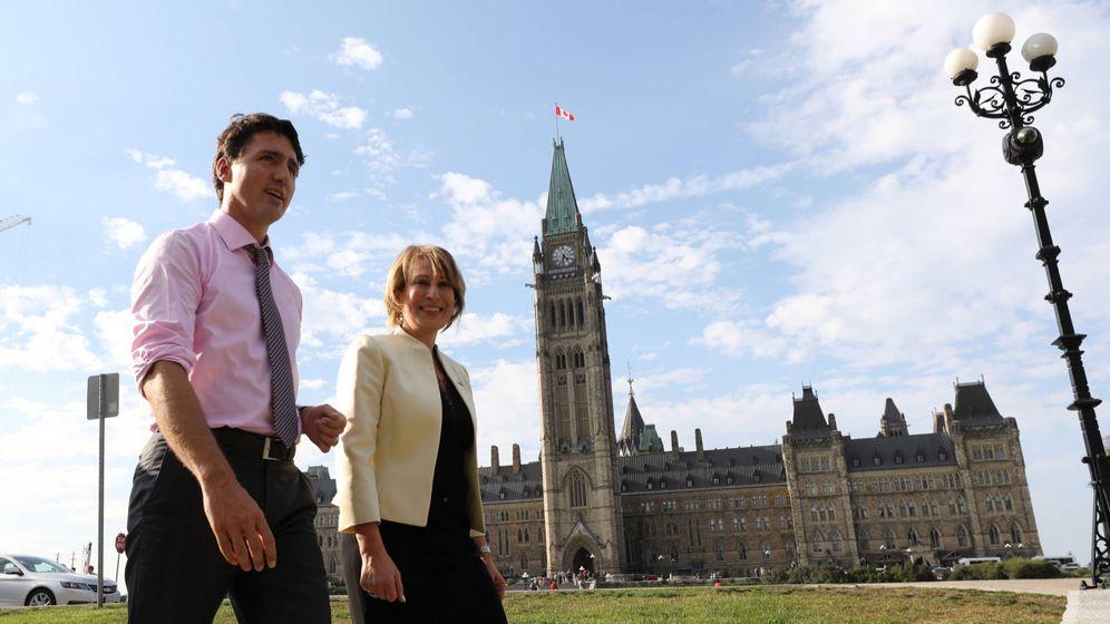 Foto: El primer ministro canadiense y su asesora científica (Adam Scotti)