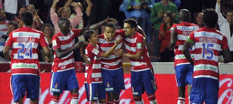Foto: Los jugadores del Granada celebran un gol (Efe).