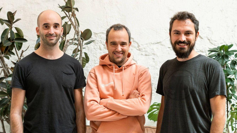 Foto: Pau Ramon (izq), Bernat Farrero (centro) y Jordi Romero, cofundadores de Factorial. (Foto: cedida)