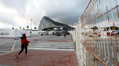 Interior permitirá el paso desde Gibraltar a los españoles y los residentes del Peñón
