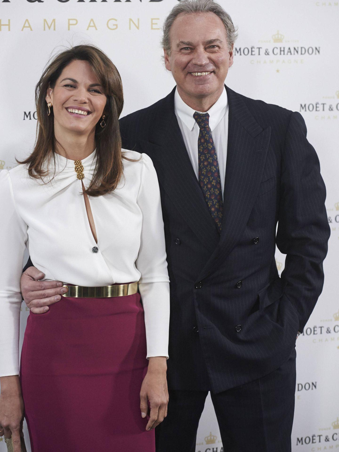 Bertín con su esposa, Fabiola Martínez. (Getty)