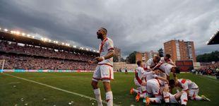 Post de El Rayo Vallecano sella su ascenso a Primera División tras dos años en 'el infierno'