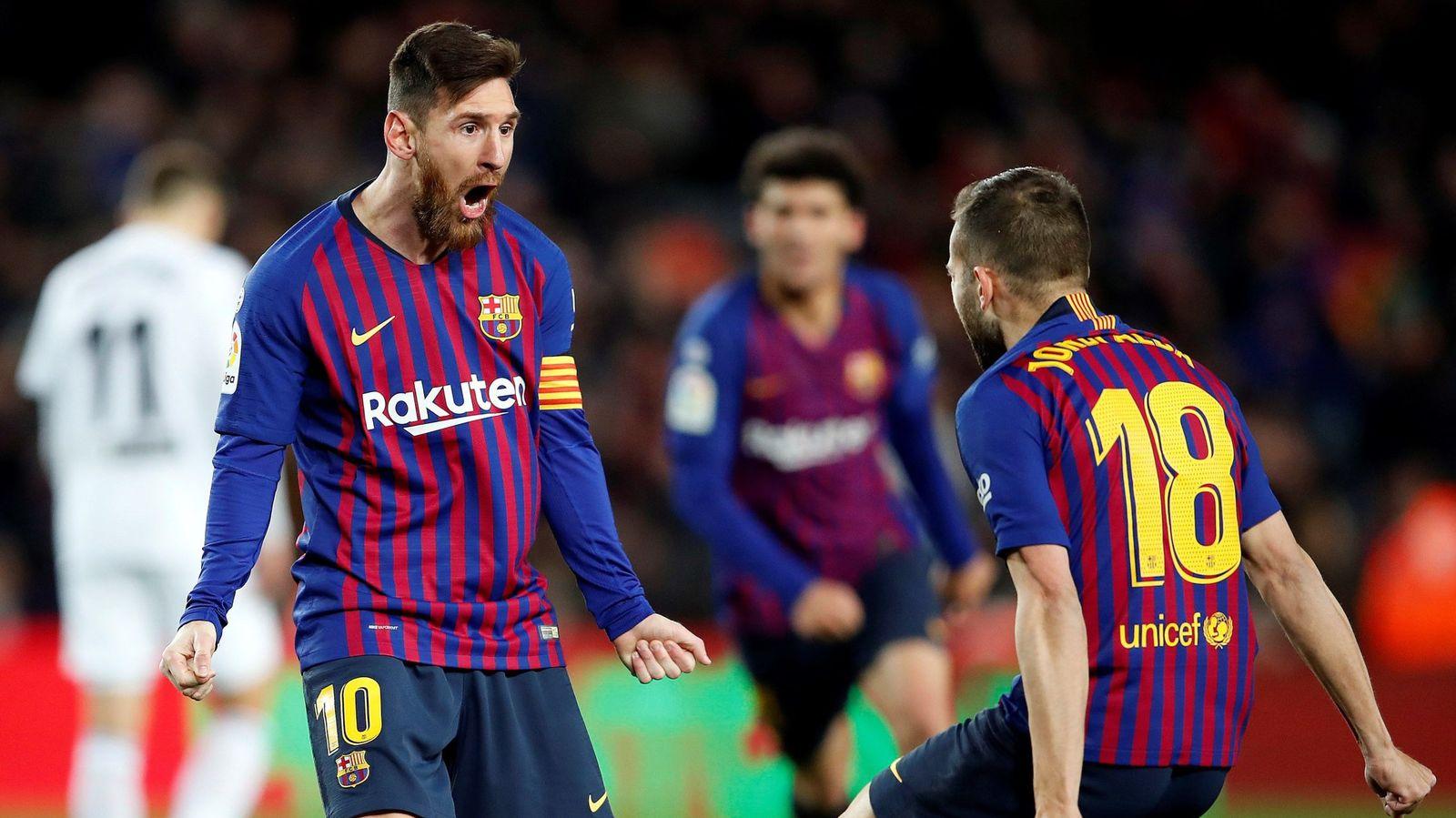 La derrota del Atlético acerca al Madrid a la segunda plaza y deja el empate del Barça en casa en una anecdota.
