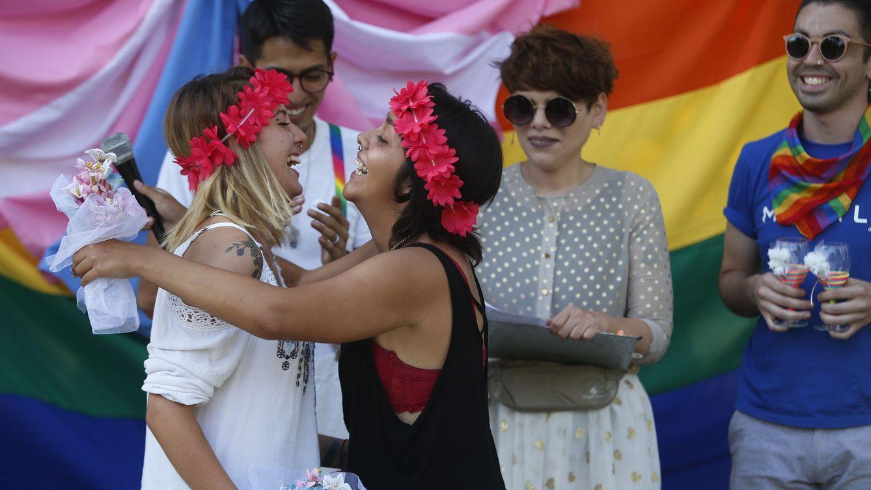 Matrimonio Igualitario Biblia : Fotogalería manifestación para pedir el matrimonio