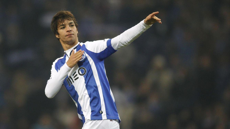 Foto: Óliver Torres celebra un gol con el Oporto esta temporada (Reuters).
