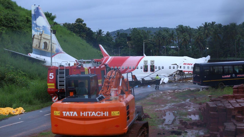 Un avión de Air India se parte por la mitad al aterrizar y deja al menos 18 muertos