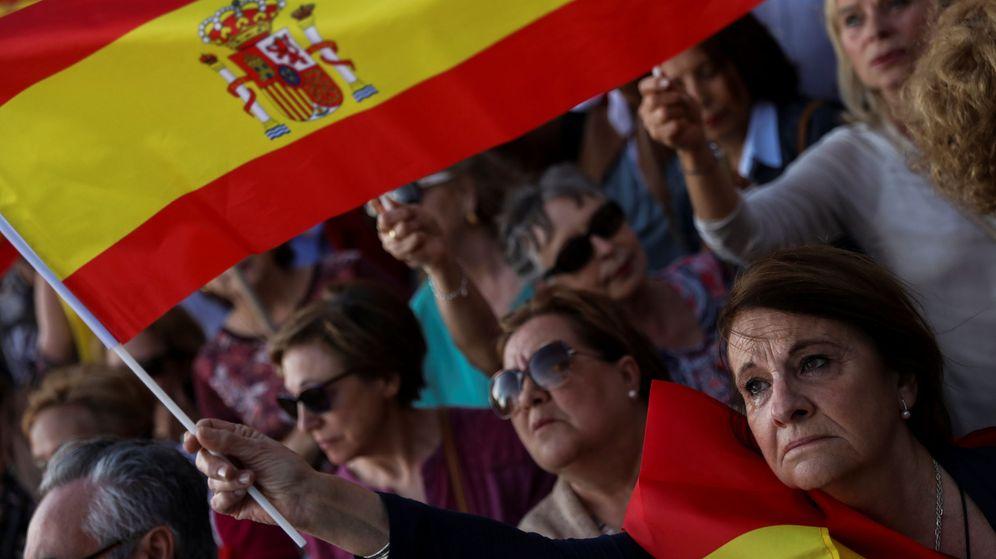 Foto: Manifestación en Colón el pasado junio tras la moción de censura de Pedro Sánchez. (Reuters)