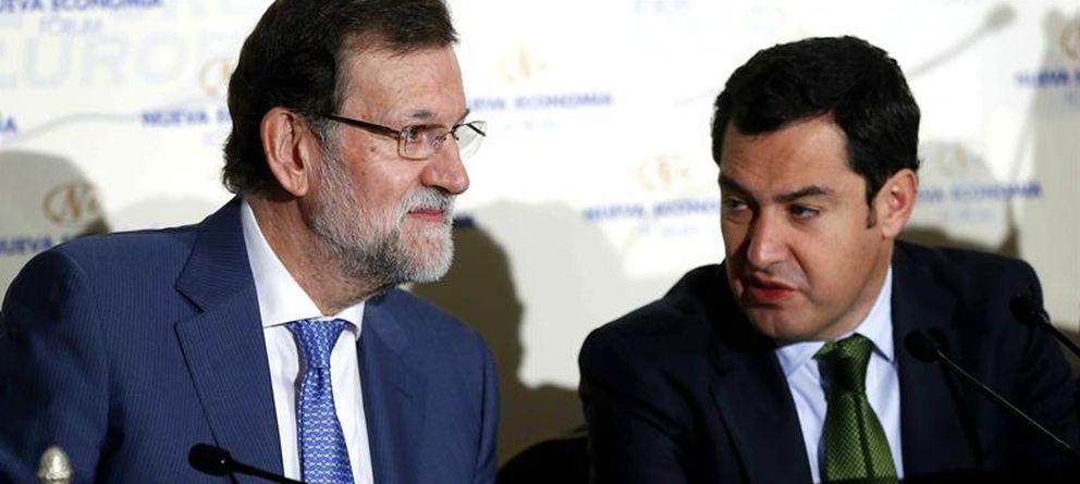 Foto: Rajoy se rodea de los suyos en la 'presentación' de Juanma Moreno, candidato a la Junta de Andalucía