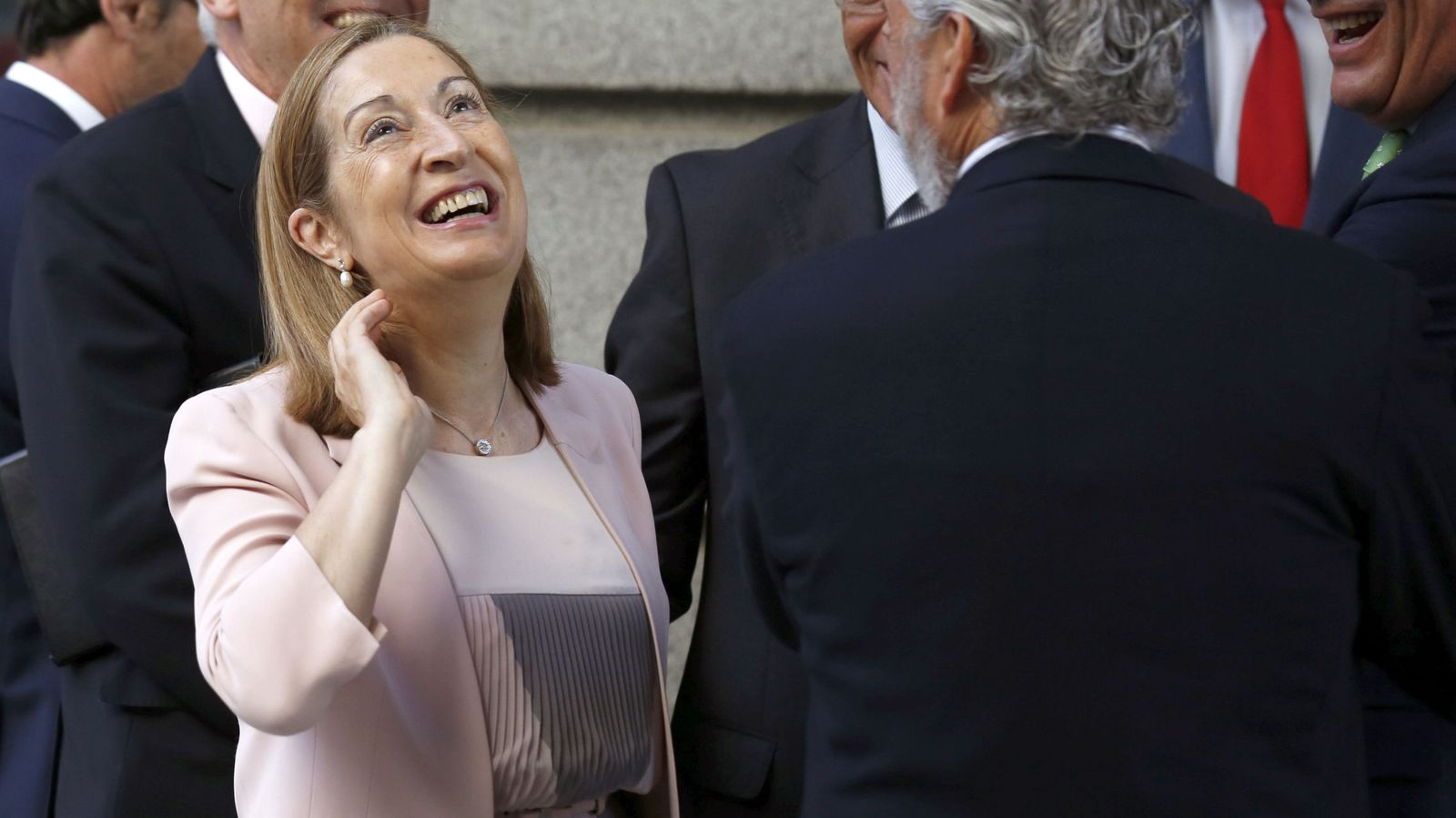Foto: Ana Pastor a su llegada al Congreso. (Efe)