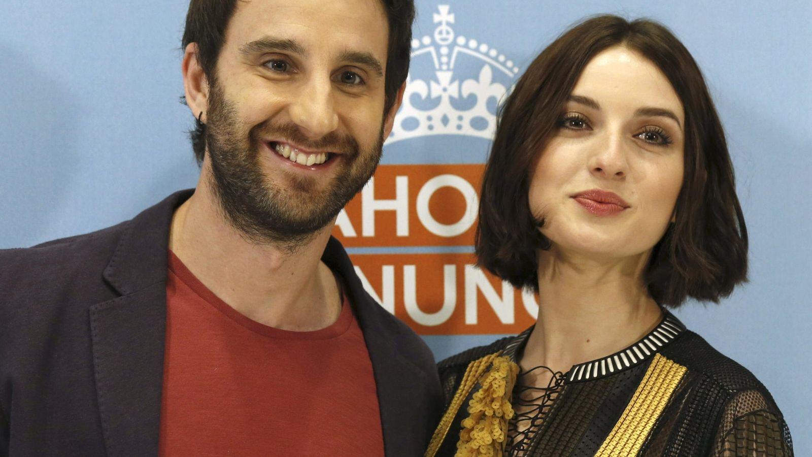Foto: Dani Rovira junto a María Valverde, protagonistas de 'Ahora o nunca' (EFE)