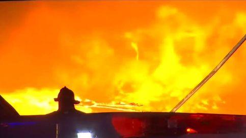 Impresionante incendio en una planta de papel en Nueva Jersey