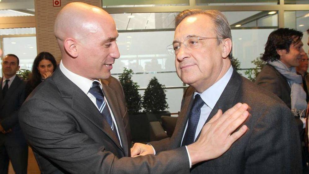 Foto: Luis Rubiales saluda a Florentino Pérez en una imagen de archivo